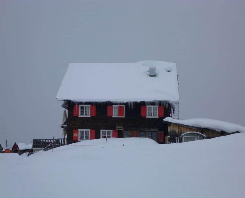 The mountain hut Neuhornbachalpe
