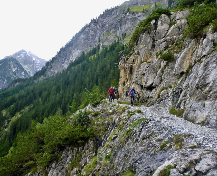 The narrow trail with the steep drop-off