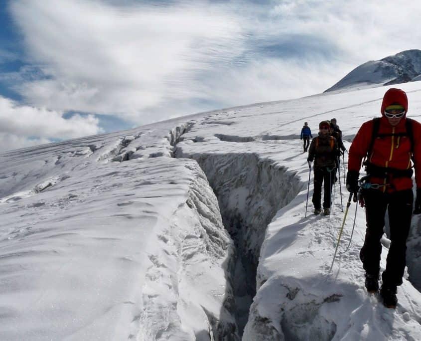 Hiking on the Similaun glacier