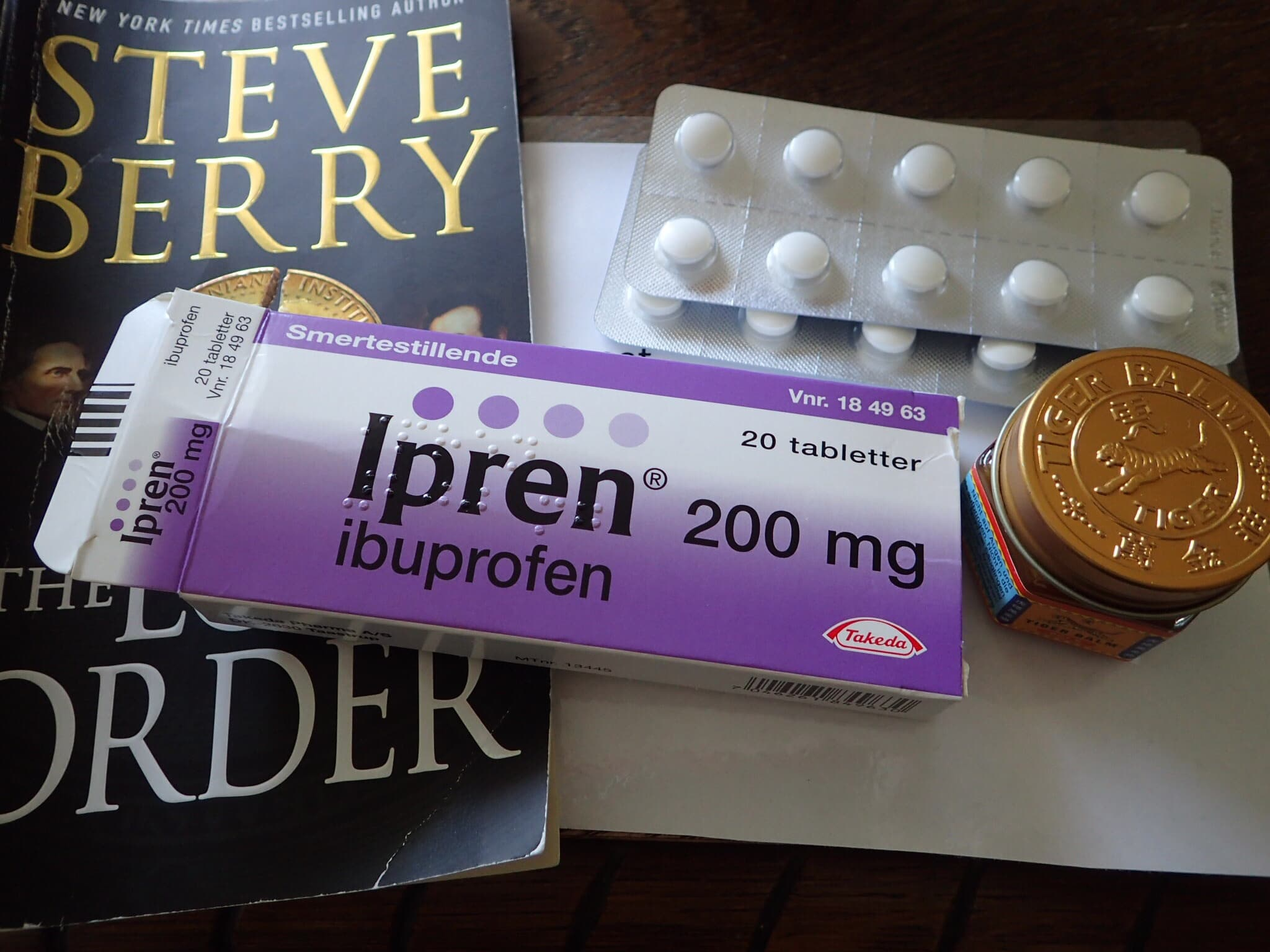 Ibuprofen, Tiger Balm and a good book - my weapons against a hiking injury!